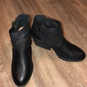 Qupid Black Ankle Boots